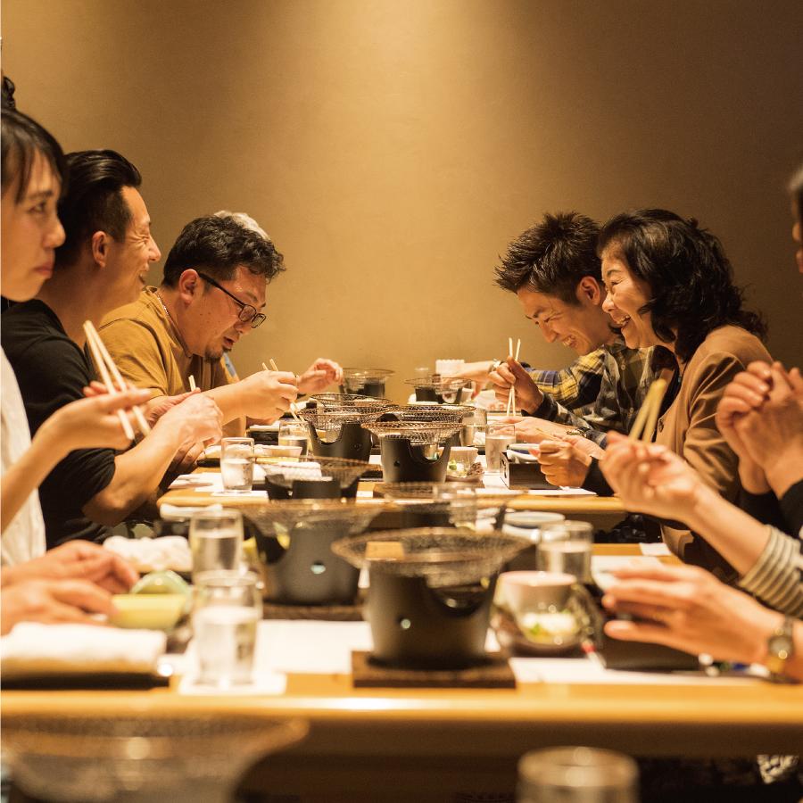 沖縄視察に訪れた料理人たち