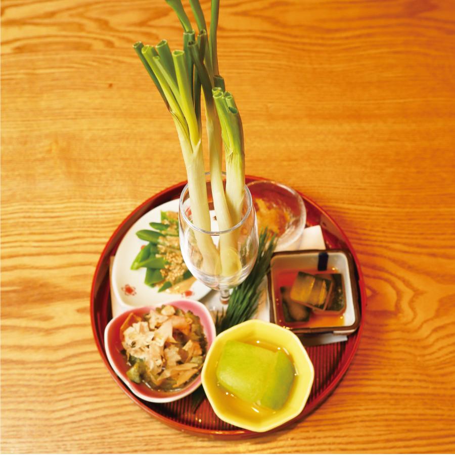 沖縄野菜旨い物盛り合わせ