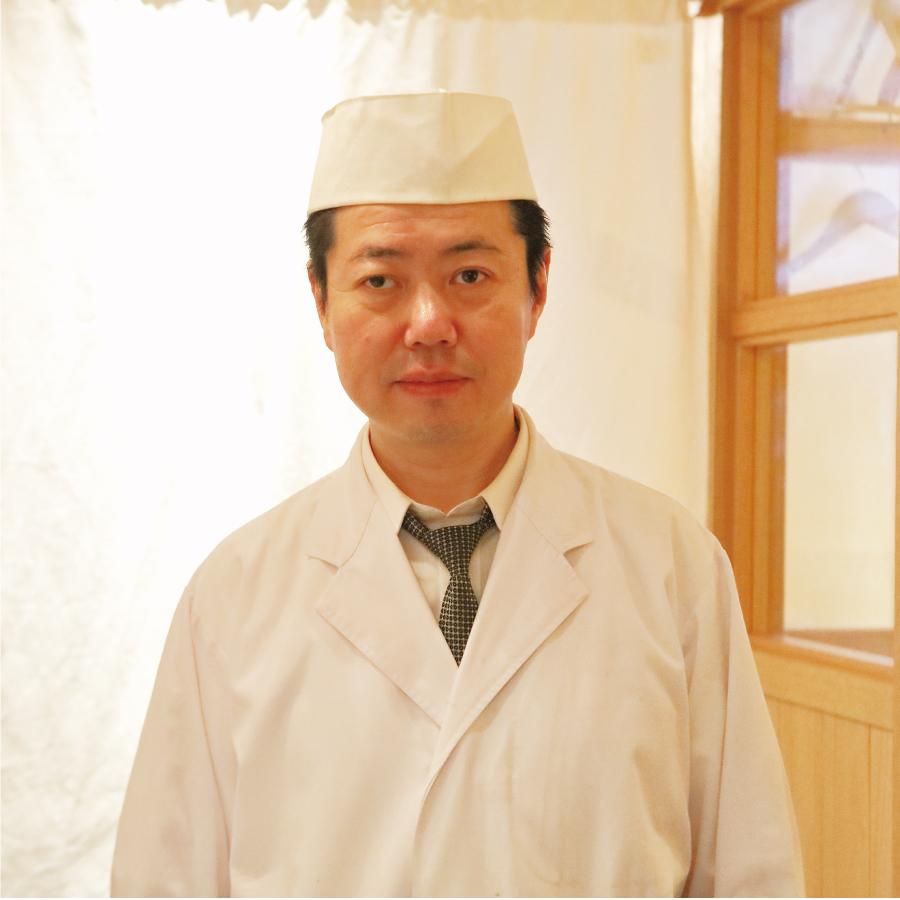 料理長 八巻 紀美雄  氏