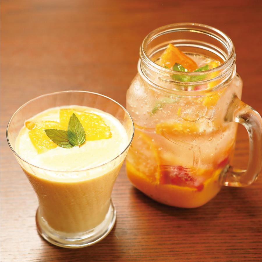 マンゴーとみかんのスムージー/マンゴーといちごとみかんのフルーツソーダ